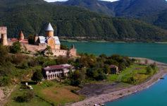 מצודת אנאנורי בגיאורגיה