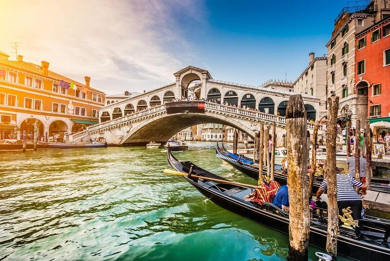 שיט בגונדולה בונציה
